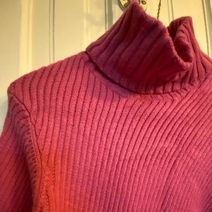 Soft fuchsia Ann Taylor  turtleneck sweater